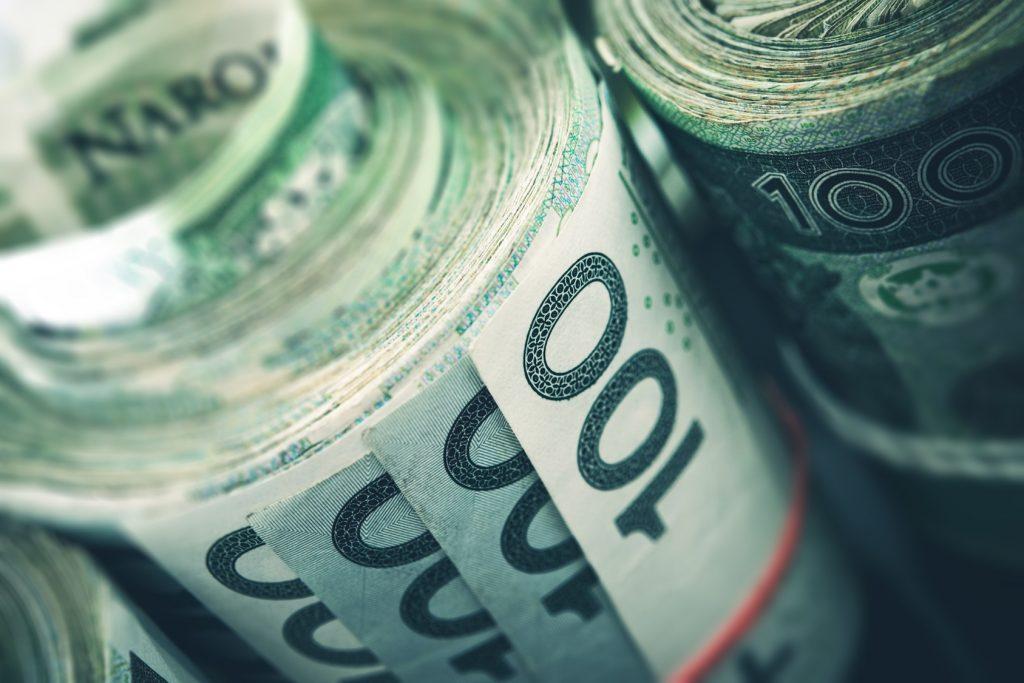 Kredyt, gotówka, leasing czy wynajem? Jaką opcję finansowania samochodu wybrać?